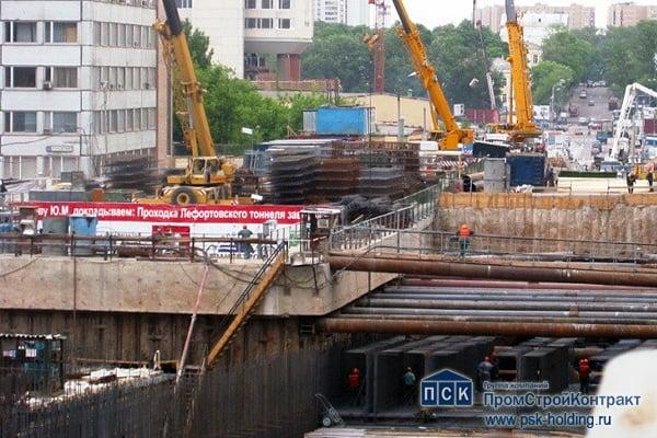 Строительство участка 3-го транспортного кольца в районе Лефортово.